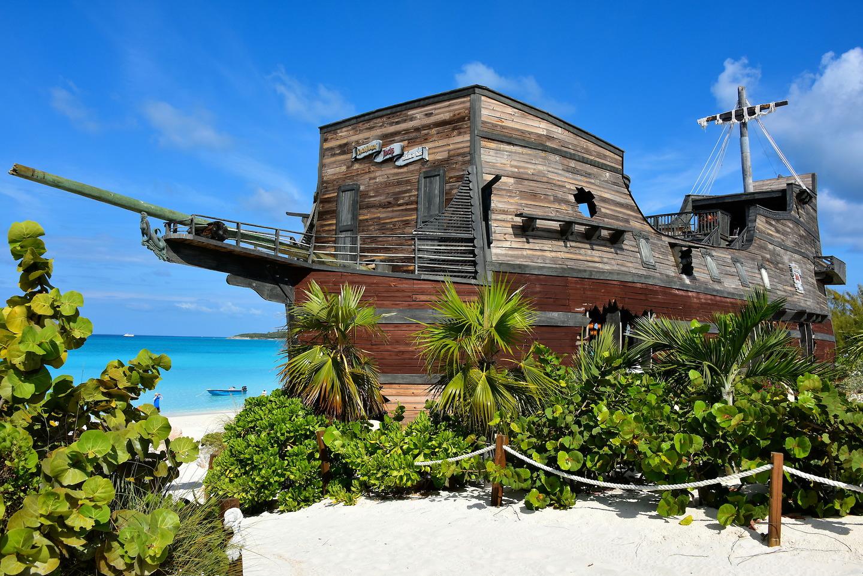 On The Rocks Pirate Ship Bar At Half Moon Cay The Bahamas