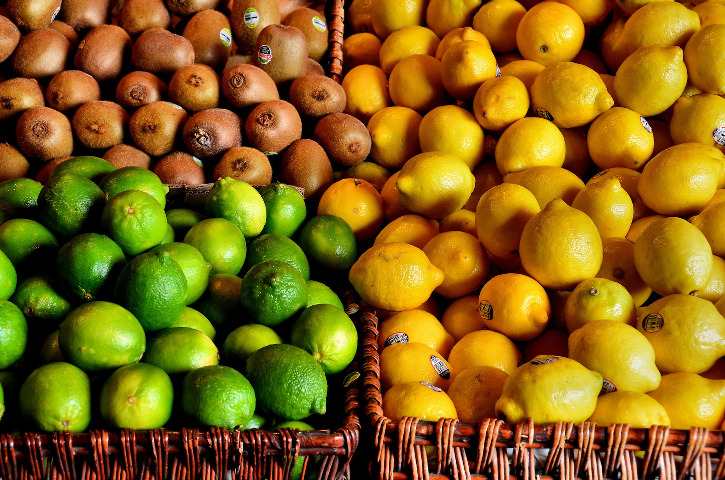 Lemons Limes And Kiwi Fruit At Farmers Market In Vancouver Canada Encircle Photos