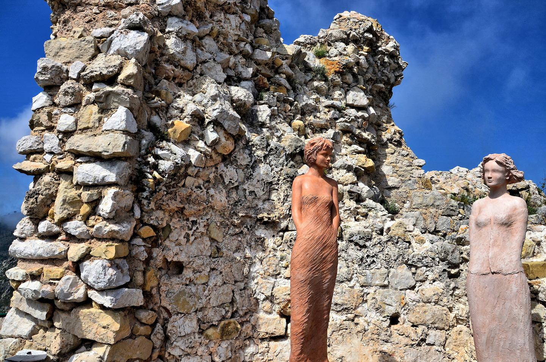 Emejing Eze Jardin Exotique Statues Contemporary - Home Decorating ...
