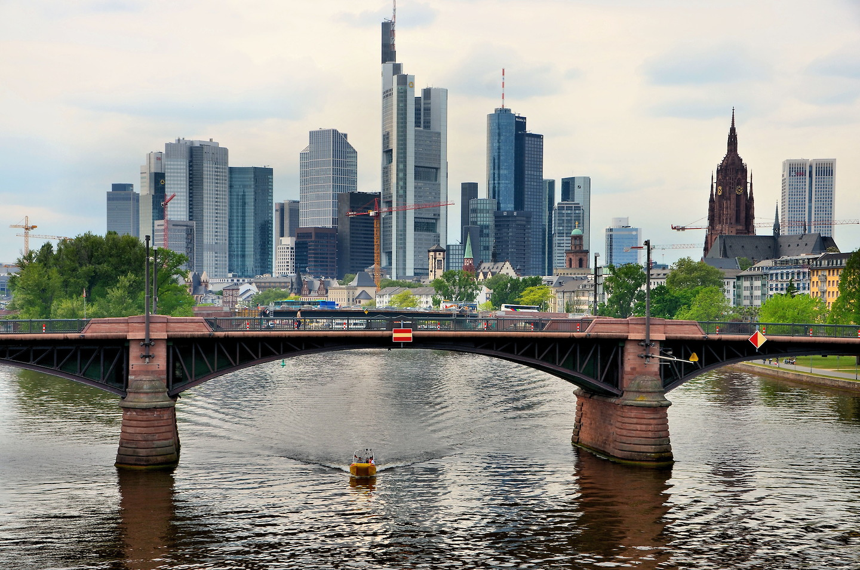 Skyline Of Downtown Frankfurt Germany Encircle Photos