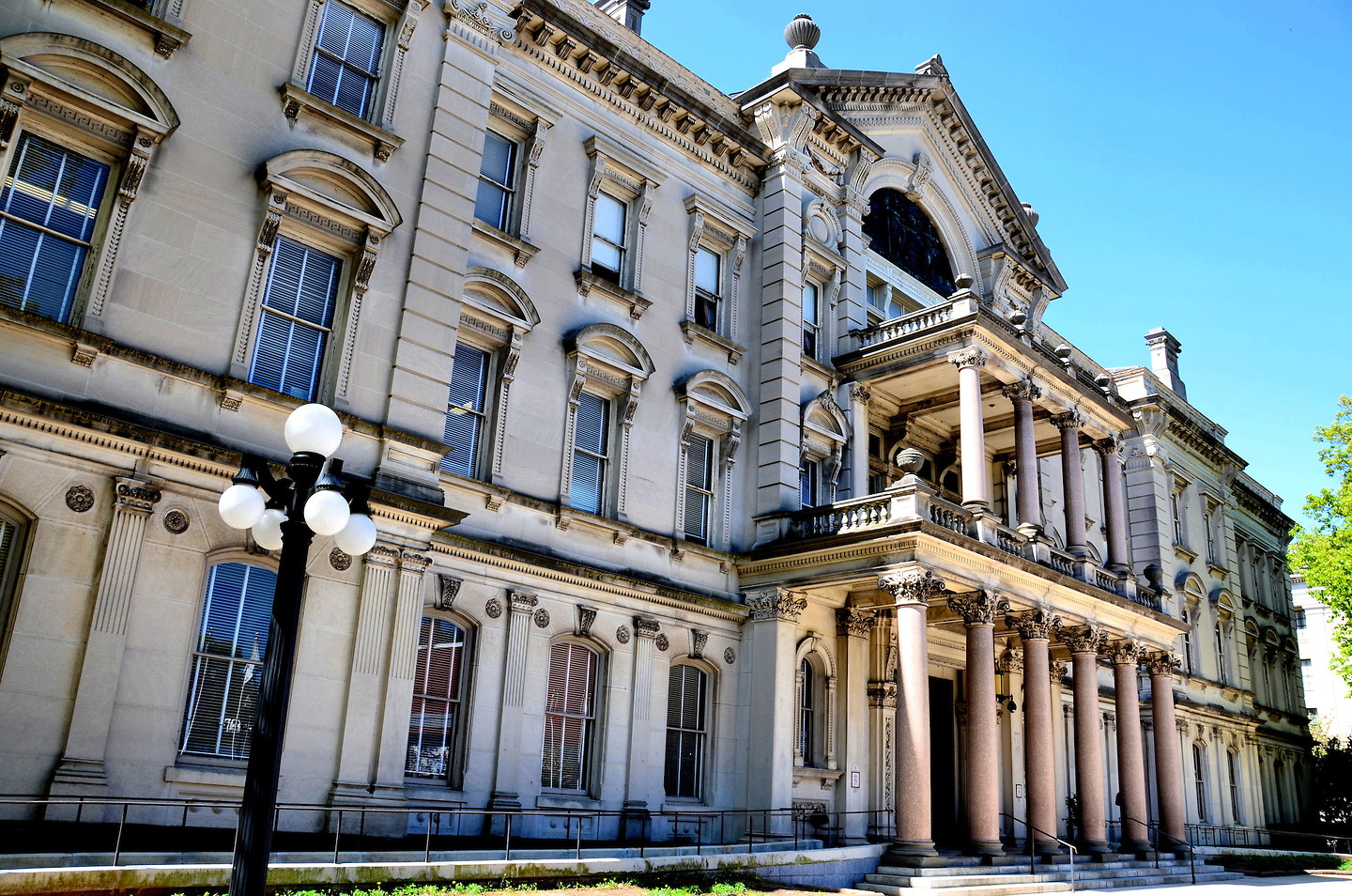New jersey state house capitol building in trenton new for Building a house in nj