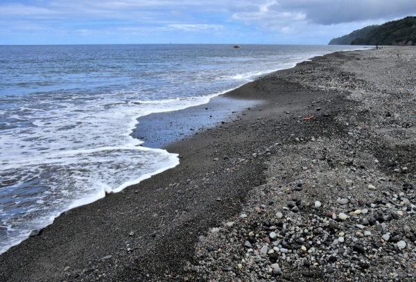 Black Sand Beach in Richmond, Saint Vincent - Encircle Photos